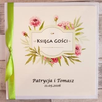 Księga Gości z Motywem Pastelowych Kwiatów i Zieloną Tasiemką WK10
