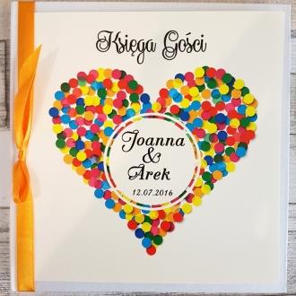 Księga Gości z Motywem Serca z Kolorowych Kropek i Pomarańczową Tasiemką WK16