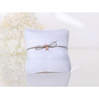 Poduszka Pod Obrączki ze sznurkiem i różyczką