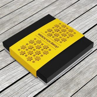 Kartka Świąteczna w Formie Pudełka z Żółtą Banderolą W632