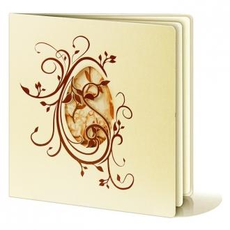 Kartka Świąteczna z Wyciętą Pisanką Ozdobioną Gałązkami w Kolorze Brązowym W215