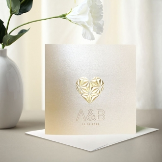 Zaproszenie Ślubne w Kolorze Ecru z Trójwymiarowym Złotym Sercem F1428tz