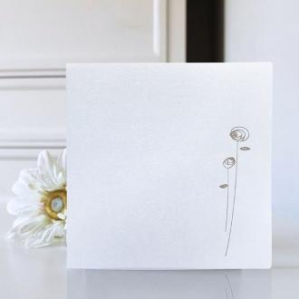 Zaproszenie z Papieru Metalizowanego, w Kolorze Białym z Delikatnym Kwiatem F969q
