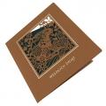 Kartka Świąteczna z wielkanocnym zającem w trawie W750