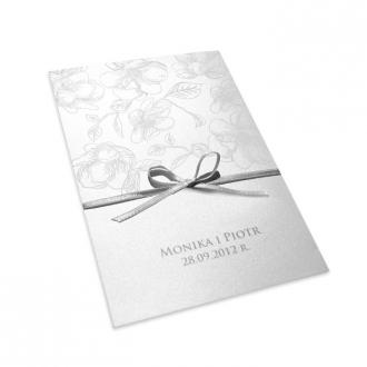 Zaproszenia Ślubne Ozdobione Kwiatkami Wykonanymi Białą Folią F1090
